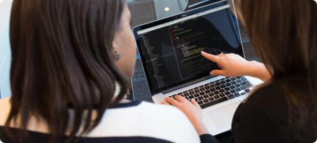 women-looking-laptop